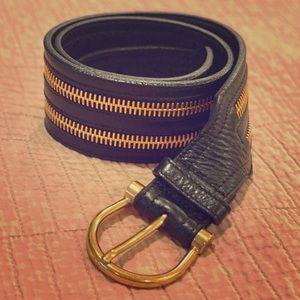 Chic BURBERRY Leather Gold Zipper Waist Belt